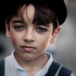 rapaz de chapéu