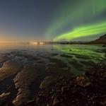 Between moon and aurora