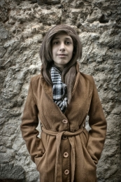 Girl in Coat ( ragazza in cappotto )