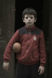 boy with ball (ragazzo con palla )