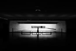Versos noturnos e levitação