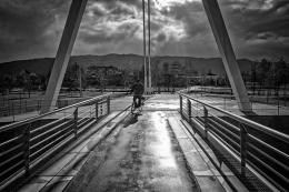 De bicicleta na ponte