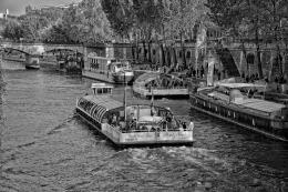 Barcos no Sena